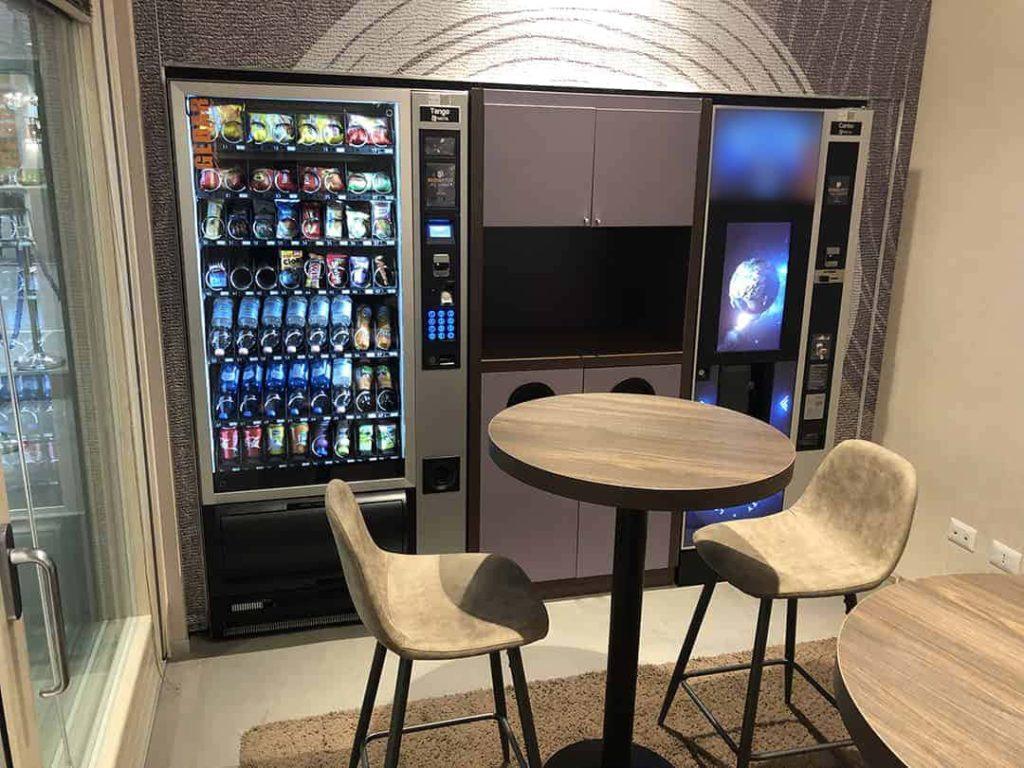 Punto di ristoro automatico con distributori Vending