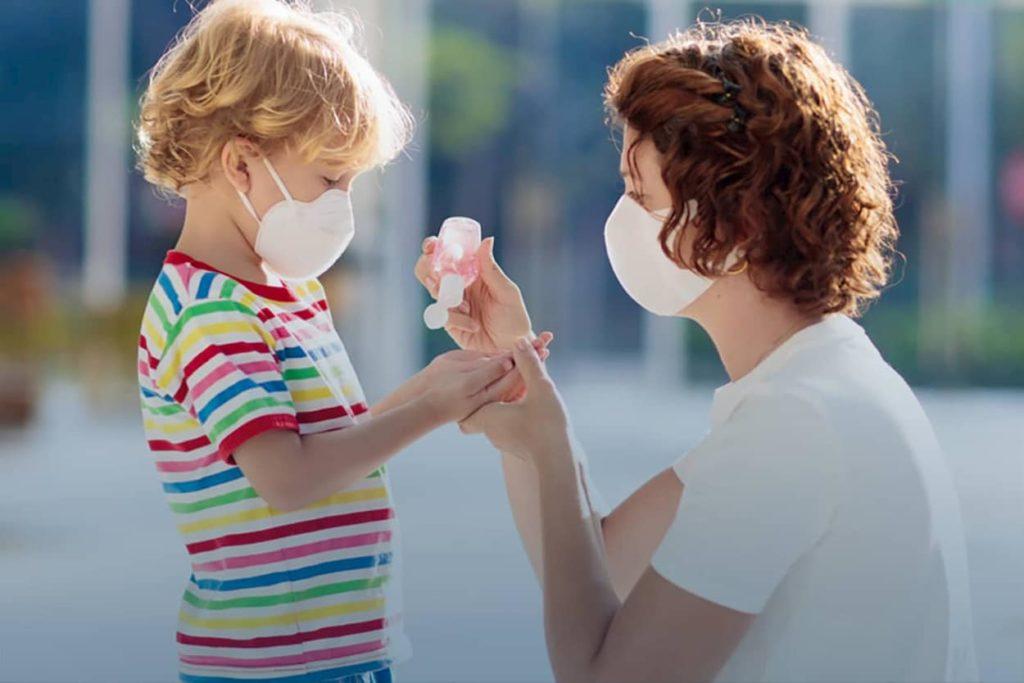 Distributore vending dpi mascherine guanti, gel salviette igienizzanti