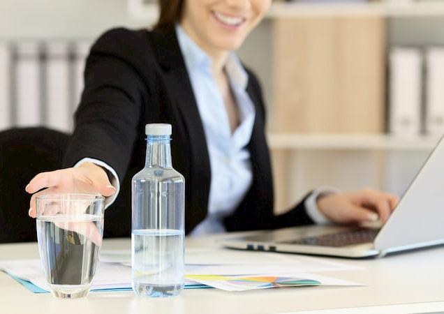 bere acqua, distributore acqua ufficio