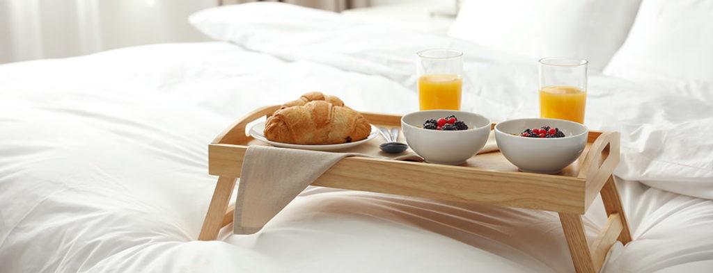 Prima colazione cereali in camera hotel