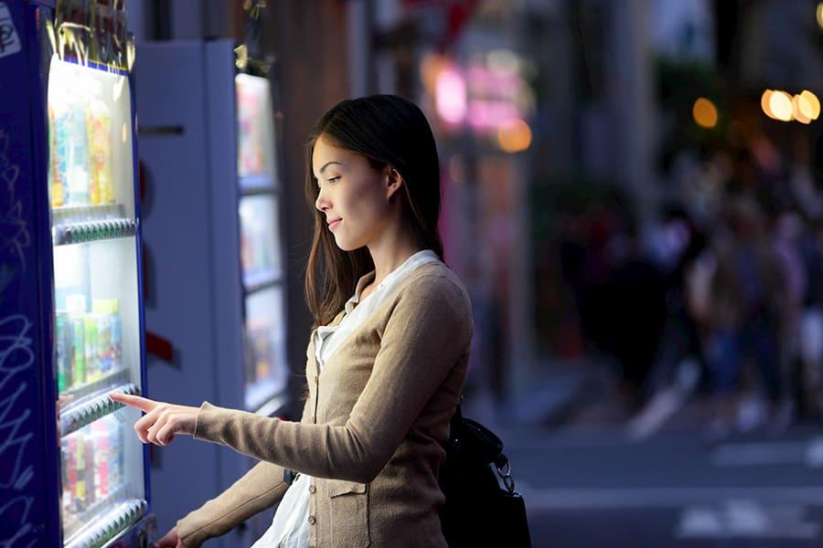 noleggio distributore automatico ragazza acquista con vetrinashop
